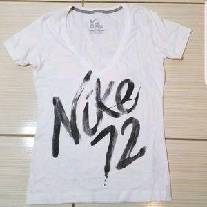Nike Slim Fit Vneck Short Sleeve Tee Shirt